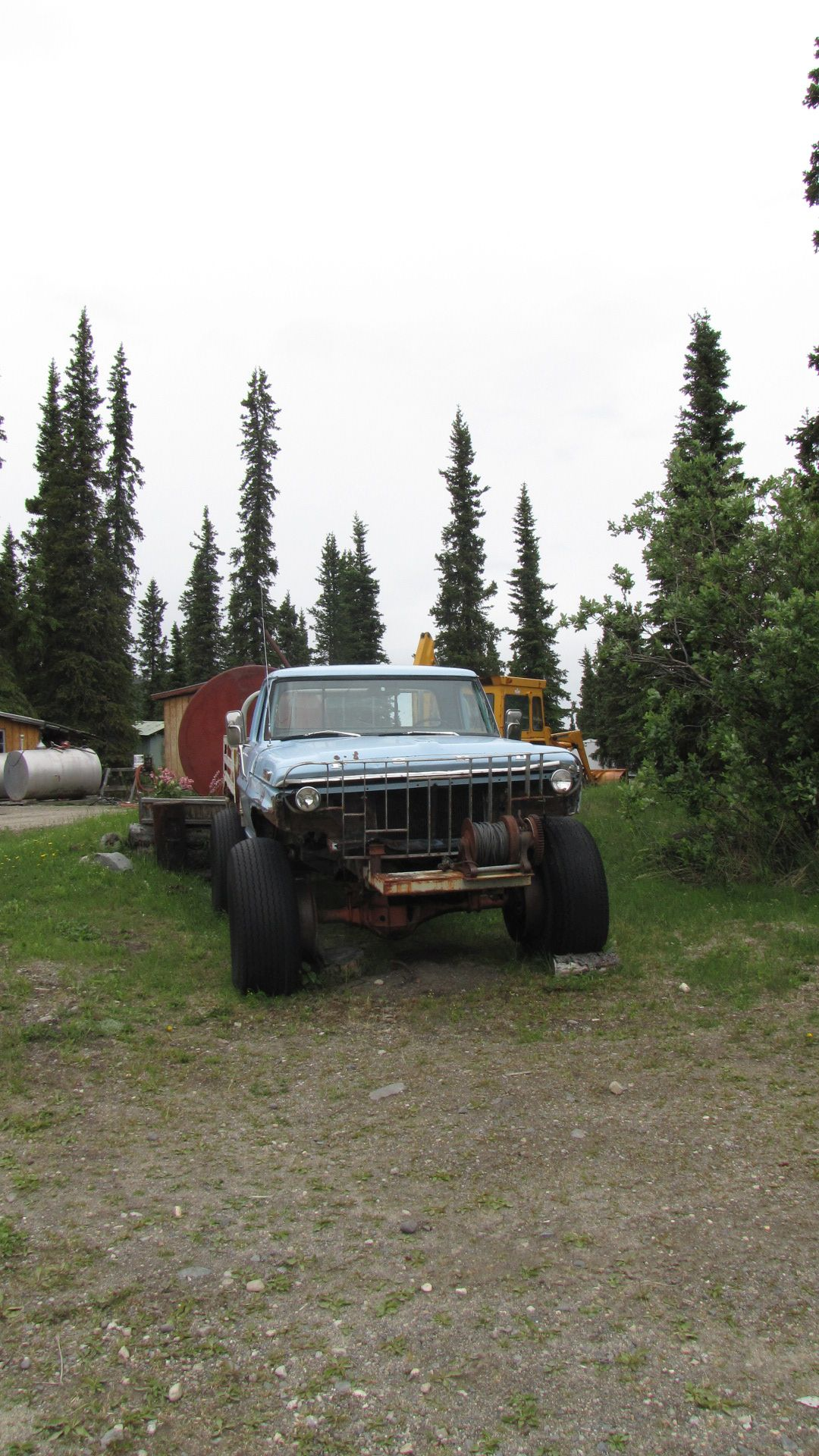 Denali Highway - snow tyres, Alaskan-style