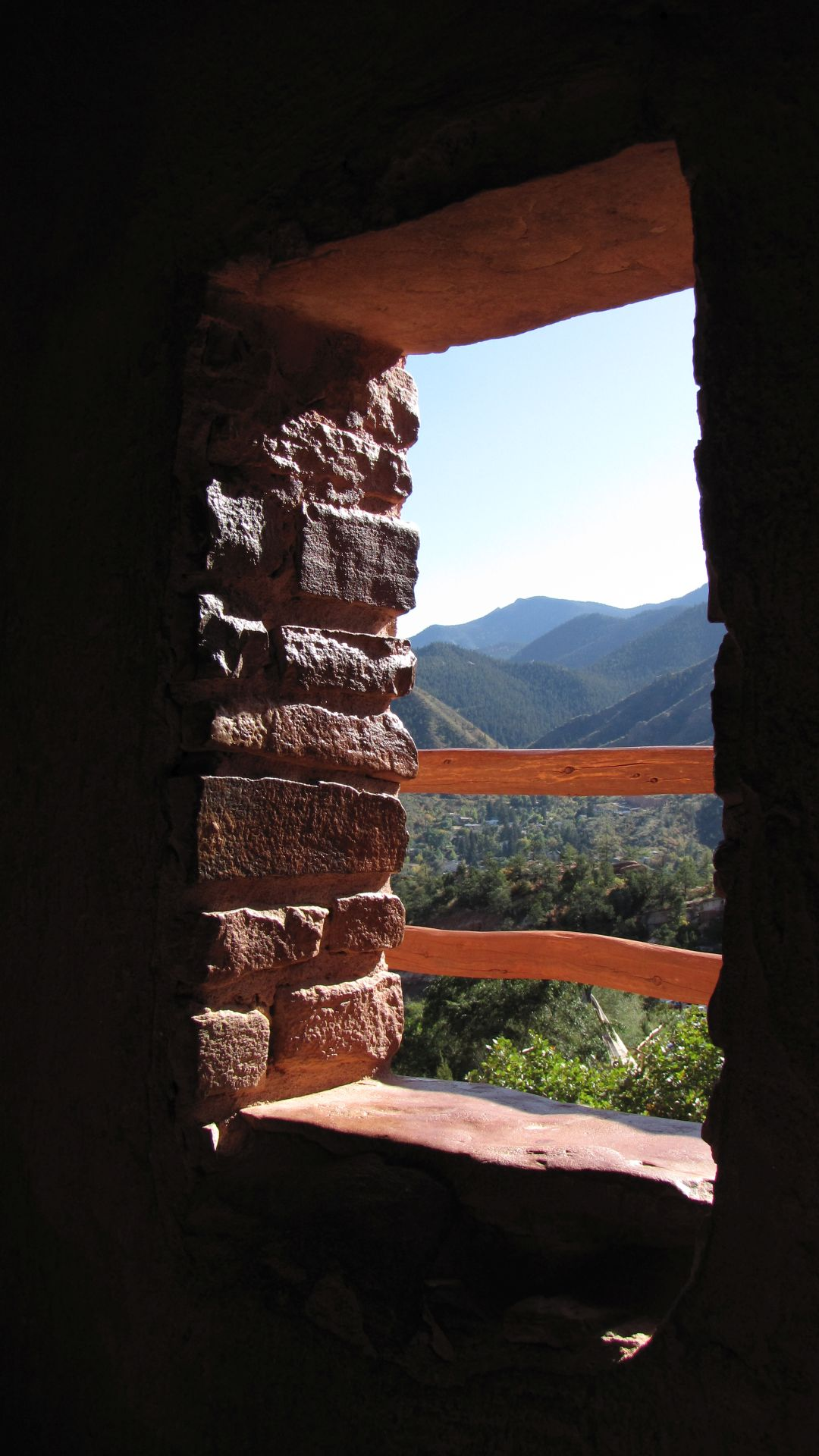 Cliff dwellings, nr Manitou Springs, CO, USA - Framing!