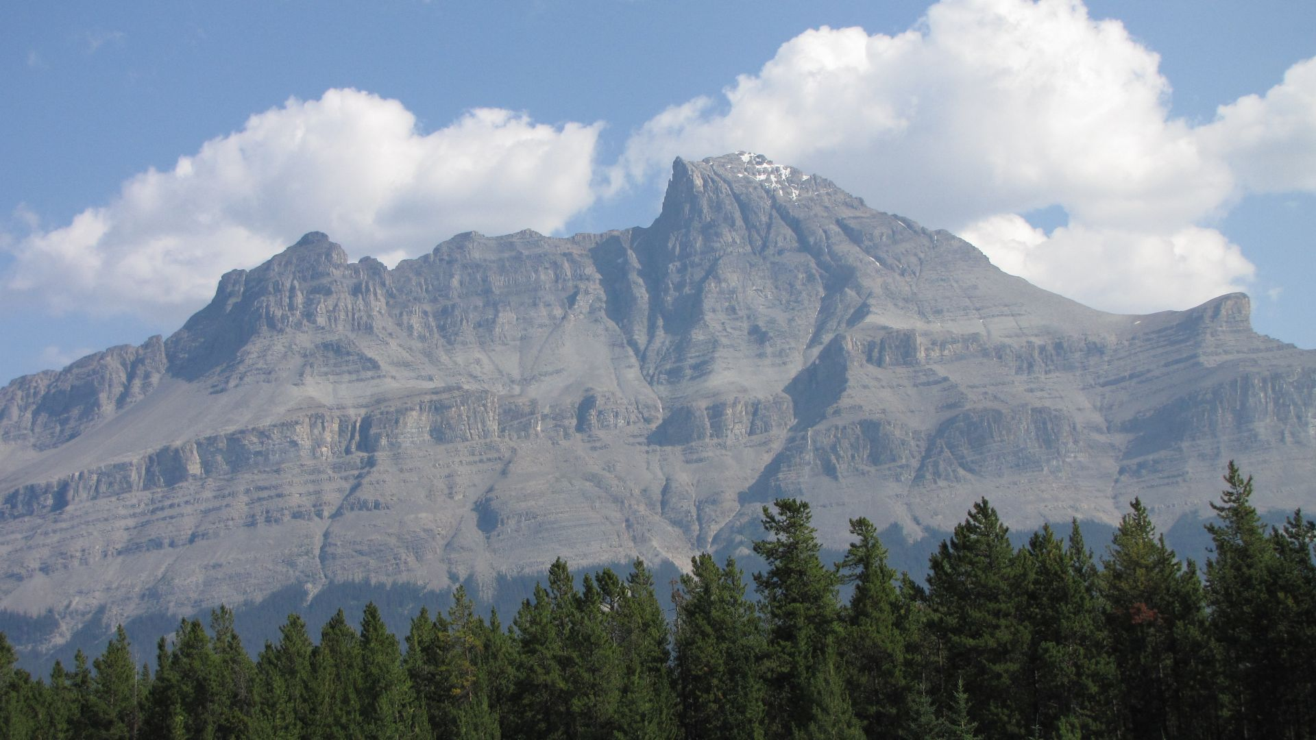 Banff Nat Pk, Alberta, Canada - If you\'re into Geology the rock beds are pretty cool with some nice folds & small thrust (yeah Jon, whatever!)